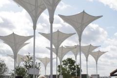Floriade-2012-003-Omgekeerde-paraplus-bij-ingang