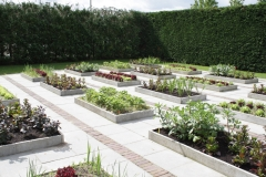 Floriade-2012-056-Strakke-tuin-met-bloembakken