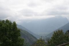 Alpe-dHuez-129-Bergtop-in-de-wolken-en-dal