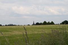 Ulestraten-en-Waterval-021-Landschap-met-akkers-en-Sint-Catharinakerk-Ulestraten