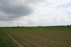 Ulestraten-en-Waterval-054-Boerderij-met-akkers-en-dreigende-wolkenlucht