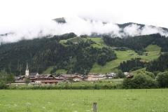 Hollersbach-015-Berglandschap-met-dorp