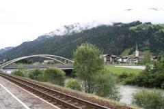 Hollersbach-020-Berglandschap-met-dorp