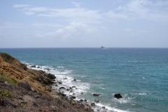 St.-Maarten-0358-Kust-en-rots-in-zee