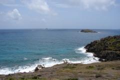 St.-Maarten-0366-Kust-met-rotsen-in-zee