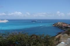 St.-Maarten-0676-Baai-met-haven-en-hotel