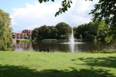 Alkmaar-Fontein-in-vijver-aan-Vondelstraat-1
