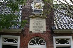 Groningen-123-Sint-Anthony-Gasthuis-Hofje-Uurwerk-en-gevelsteen