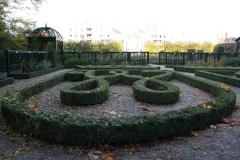 Groningen-334-Prinsentuin-Buxustuin-met-initialen-stadhouder-en-vrouw