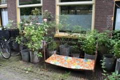 Haarlem-1030-Valkestraat-Voortuintje-met-ledikantje