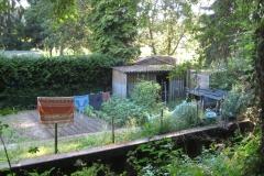 Meerssen-033-Tuin-met-waslijn-en-hok-van-asbest